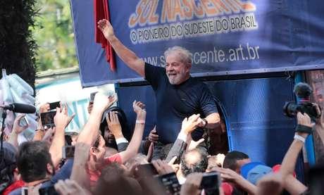 Lula é apoiado em manifestação em São Bernardo do Campo REUTERS/Leonardo Benassatto