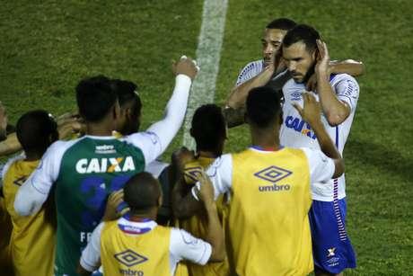 Lucas Fonseca comemora gol do Bahia