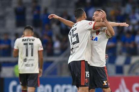 Léo Duarte comemora gol do Flamengo