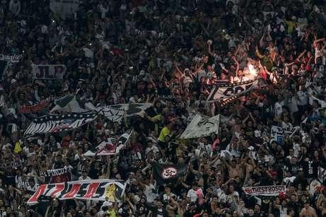 Torcida do Colo-Colo comemora a classificação na Libertadores