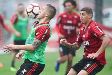 Piris da Motta pode ganhar oportunidade entre os titulares do Flamengo (Foto: Gilvan de Souza/Flamengo)
