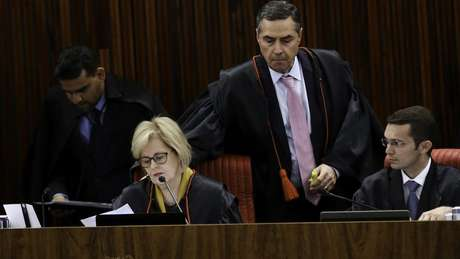 Na mesma sessão, os ministros do TSE aprovaram por unanimidade o registro da candidatura de Geraldo Alckmin (PSDB) à Presidência da República