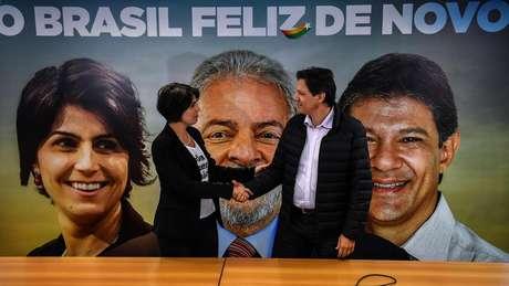 Fernando Haddad e Manuela D'ávila podem assumir chapa em lugar de Lula nas eleições