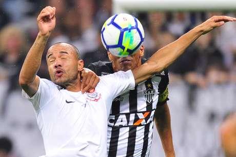 Em jogo morno, Corinthians e Atlético-MG empatam na Arena Corinthians
