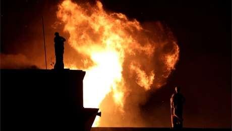Bombeiros disseram que os hidrantes próximos ao museu não estavam funcionando