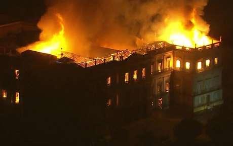 Incêndio tomou conta do prédio do Museu Nacional no último domingo (Foto: Divulgação)