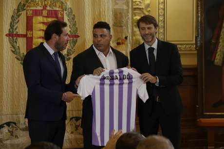 Ronaldo é apresentado como novo dono do Real Valladolid 296ae23d3abaf