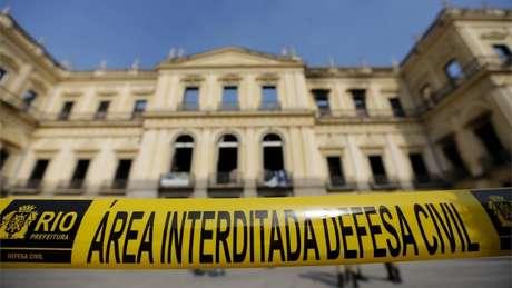 Museu Nacional ainda mensura os danos causados pelo incêndio a seu acervo