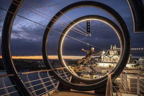 Tirolesa de 105 metros cruza o MSC Seaview, que chega ao Brasil em 2 de dezembro