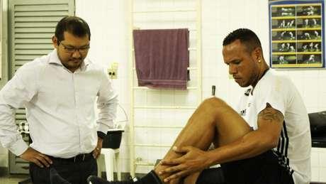 Luis Fabiano pode vestir a camisa da Ponte Preta (Foto: Divulgação)