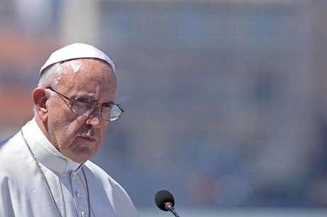Papa Francisco aceitou pedido de renúncia nesta quarta-feira (12)