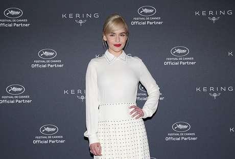 Emilia Clarke em evento em Cannes, na França