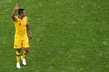 Cahil gesticula em campo durante jogo contra o Peru na Copa de 2018