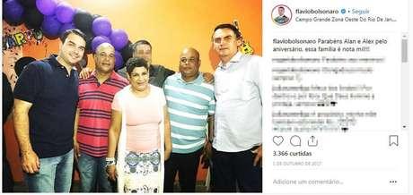 Foto publicada no Instagram de Flávio Bolsonaro, em que o candidato ao Senado pelo PSL aparece com os irmãos Alan, Valdenice e Alex Rodrigues de Oliveira e com o presidenciável Jair Bolsonaro