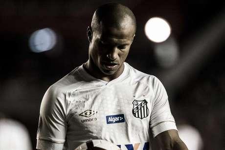 Sánchez foi convocado pela Seleção Uruguaia e desfalca o Santos (Foto: Ivan Storti/Santos)