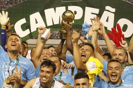 Jogadores do Paysandu comemoram a conquista da Copa Verde 2018