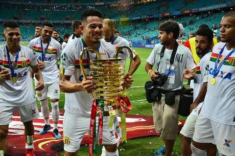 Sampaio Corrêa foi campeão da Copa do Nordeste contra o Bahia na Fonte Nova