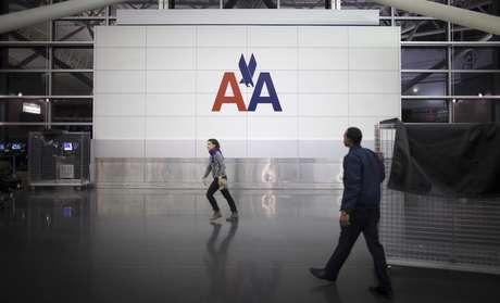 Logo da American Airlines no aeroporto John F. Kennedy (JFK) em Nova York 27/11/2013