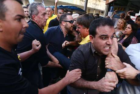 Na acusação, que pode resultar em uma condenação de até 20 anos para Bispo, o MPF afirma que o agressor planejou o ataque a Bolsonaro desde o dia em que soube pelos jornais que ele estaria em Juiz de Fora