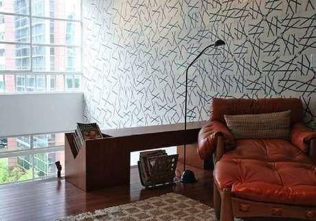23. Sempre escolha móveis bem confortáveis para o cantinho de leitura – Foto: FGMF Arquitetos