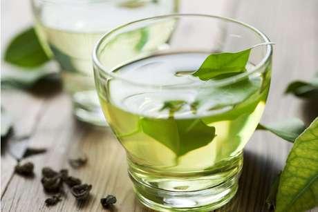 Como fazer chá de azedinha
