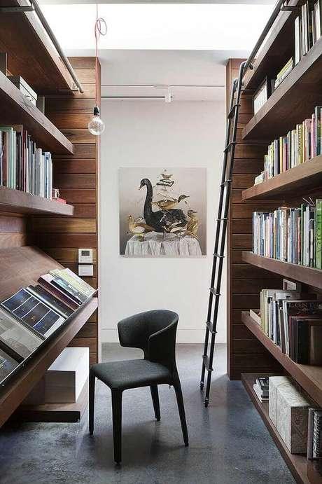 40.Decoração para cantinho de leitura com estante de madeira – Foto: Tinyme