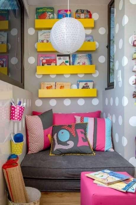 49. Decoração colorida para cantinho de leitura infantil – Foto: Nitelik Mobilya