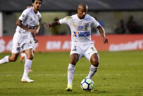 Sánchez é diagnosticado com lesão no posterior da coxa esquerda(Foto: Ivan Storti/Santos)