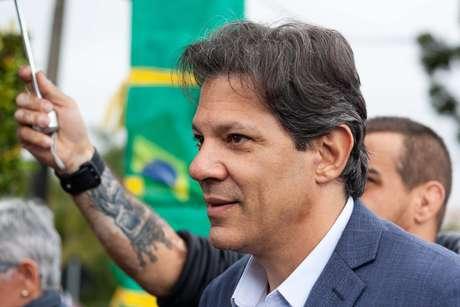 Haddad afirmou que a campanha petista não mudará estratégia após ataque a Bolsonoaro