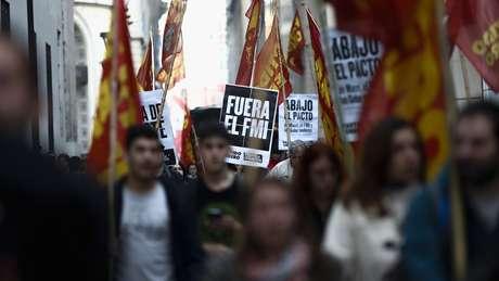 Muitos argentinos se opõem ao acordo com o FMI