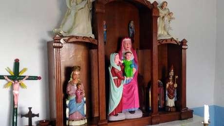 Esculturas, que estavam expostas em uma igreja, datam dos séculos 15 e 16