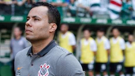 Jair Ventura no clássico contra o Palmeiras (Foto: Anderson Rodrigues/AGENCIA F8)