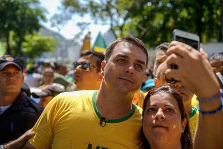 Flávio Bolsonaro comandou ato no Rio de Janeiro