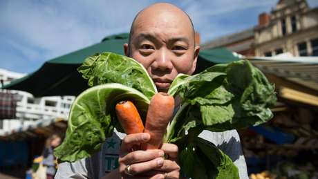 O médico Giles Yeo, um dos apresentadores da série da BBC Confie Em Mim, Sou Médico, seguiu uma dieta vegana durante um mês.