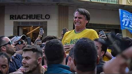 Após esfaquear Bolsonaro, Adelio Oliveira teve sua página no Facebook vasculhada e derrubada em poucas horas