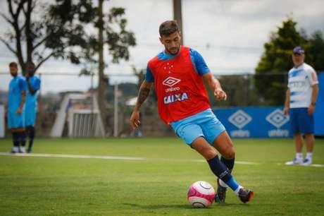 O camisa 10 celeste se recupera de um estiramento na coxa- (Foto: Vinnicius Silva/Cruzeiro)