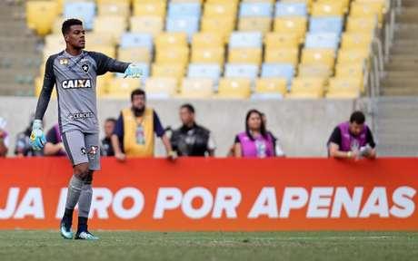Saulo foi titular mais uma vez (Foto: Vitor Silva/SSPress/Botafogo)