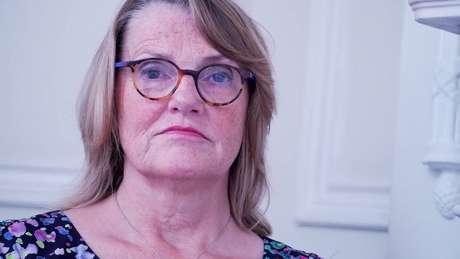 'Os homens não estão sendo diagnosticados', diz a professora e especialista em fertilidade Sheena Lewis, apontando o foco sobre o problema como uma questão 'urgente'