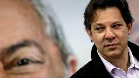 Na véspera de decisão sobre oficialização de candidatura, Haddad se reuniu com o ex-presidente Lula por horas