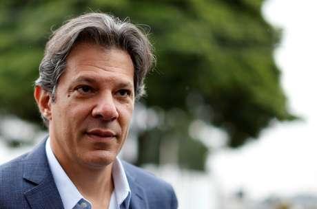 Haddad deixa sede da PF em Curitiba  3/9/2018   REUTERS/Rodolfo Buhrer