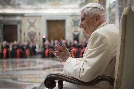 Bento XVI foi acusado de conivência com abusos na Igreja