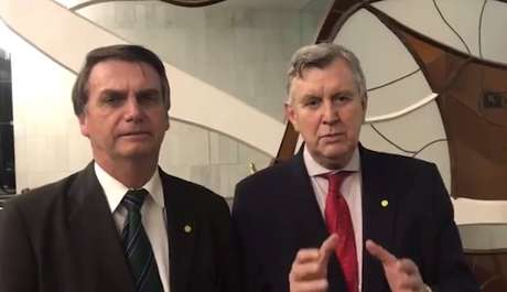 Candidato ao Senado pelo PP gaúcho, Luiz Carlos Heinze já havia declaradoapoio a Jair Bolsonaro em vídeo.