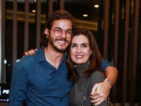 Fátima Bernardes e Túlio Gadêlha não marcam hora para se falarem: 'Quando dá vontade, liga, fala, muita mensagem... Não tem um 'encontro formalizado''