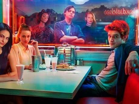 """Saiba a idade verdadeira do elenco de """"Riverdale"""""""