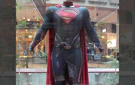 Quem vai vestir o uniforme com cueca para fora no próximo filme?