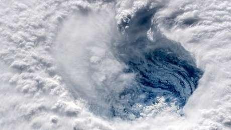 Valocidade dos ventos do Florence nesta quinta-feira é de 175 km/h