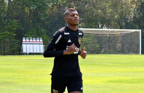 Jogador deve estar à disposição da comissão técnica para o jogo de domingo, contra o Santos (Érico Leonan/saopaulofc.net)