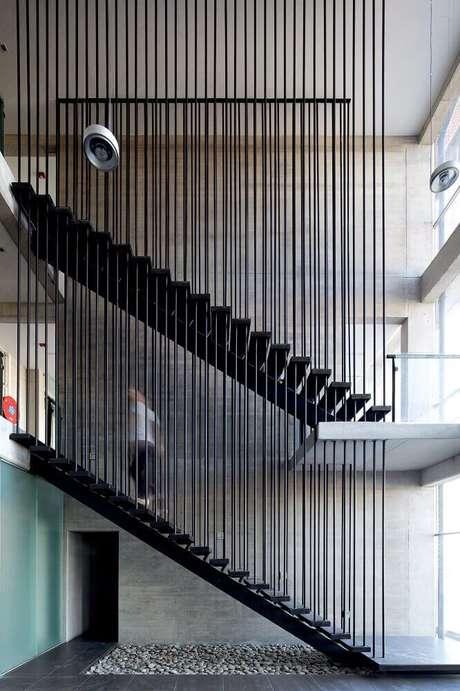 14. Modelo diferente de guarda-copo com barras de ferro – Foto: ArchDaily (1)