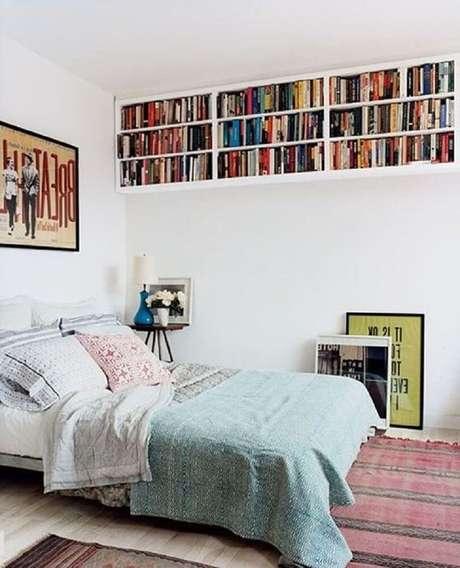 16. A prateleira de livros para quarto garantem mais espaço e organização para seus livros.