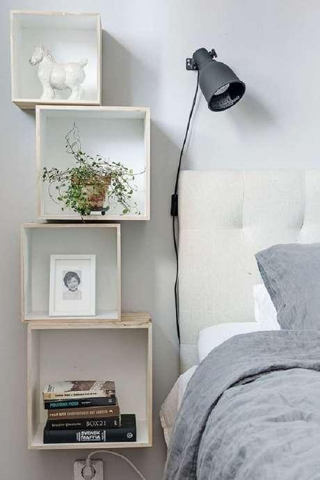 23. A prateleira para quarto também garante um local para colocar plantinhas.